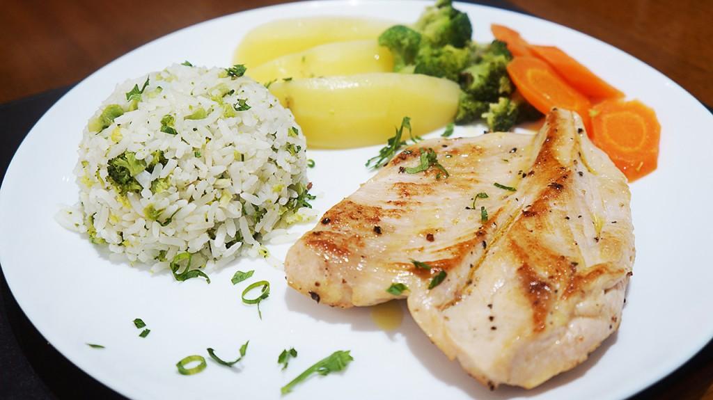 filé de frango grelhado com legumes (2)
